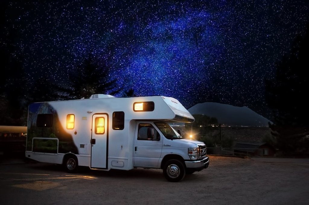couvre-feu et camping-car